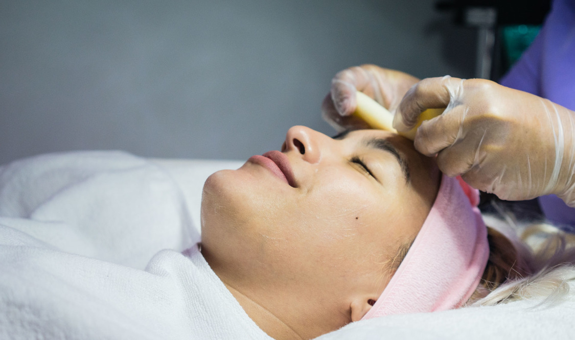 Facial Spa + Diamond Peel