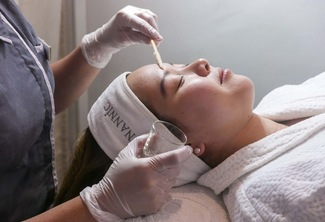 Rosy Whitening Face and Neck Peel