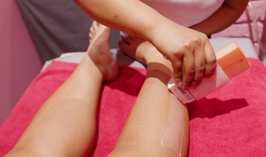 Full Leg Waxing Session