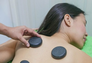 One-hour Massage with Hot Stone or Ventosa